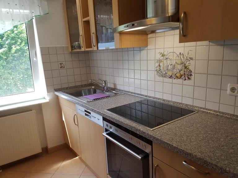 Küche (rechte Seite)