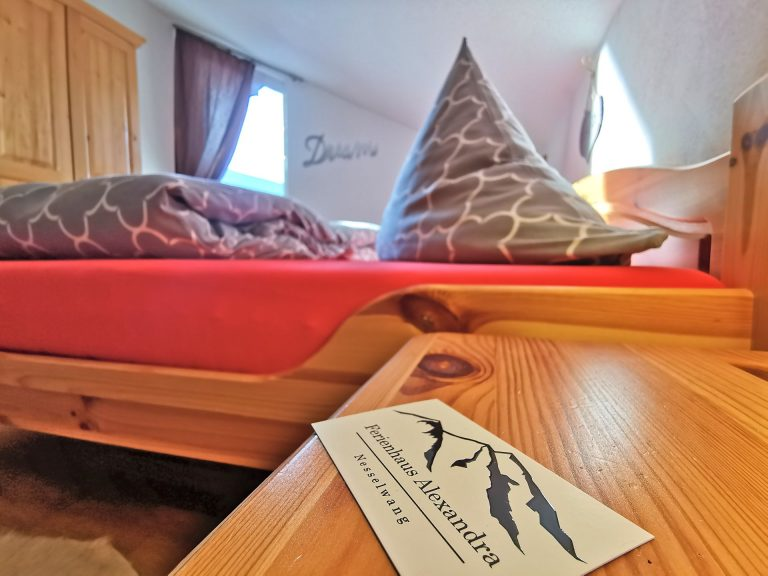 Wohnung-Bergtraum-Schlafzimmer-06