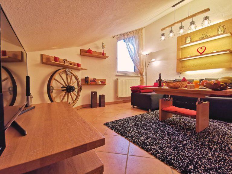 Wohnung-Bergtraum-Wohnzimmer-02